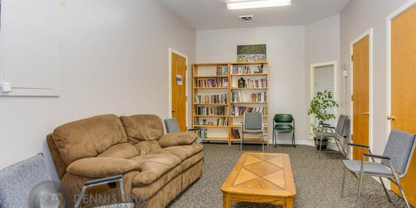 """4-We call it """"the library,"""" but it's an ideal area to prepare a speaker and leads into the main room."""